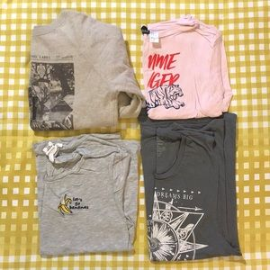 4 graphic tees Epic Threads size small